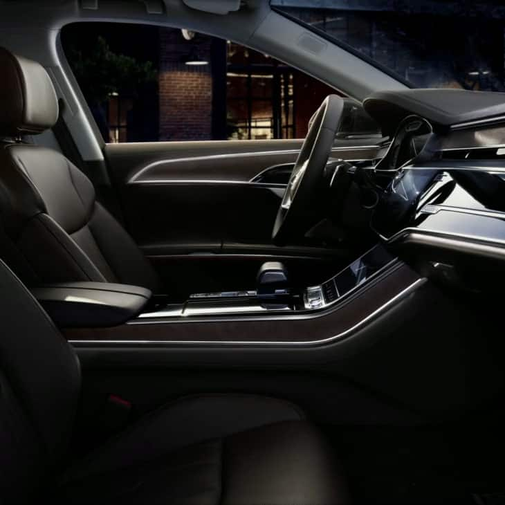 Generous interior lighting in the new Audi A8 L.